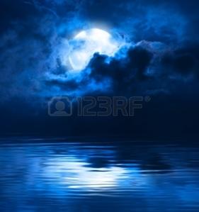 la luna es artificial